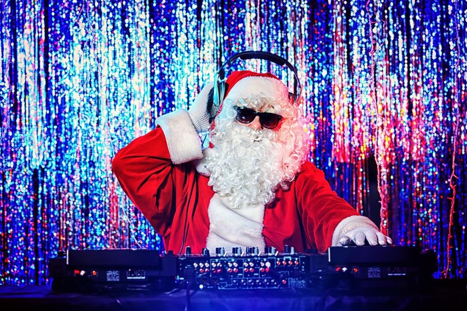 santa dropping some fat beats